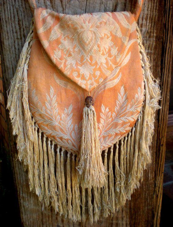 damask boho tassel purse | bettysvintageshop