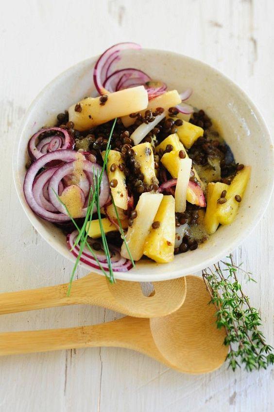 Linsen-Schwarzwurzelsalat mit Ananas