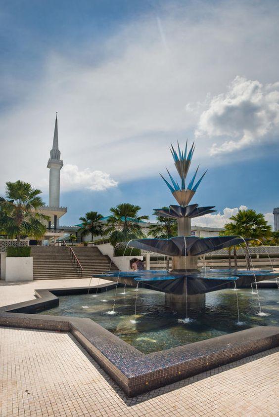 "Kuala Lumpur Malaysia - ""Masjid Negara"" oder ""National Mosque"" -  Auswandern Leben und Reisen"