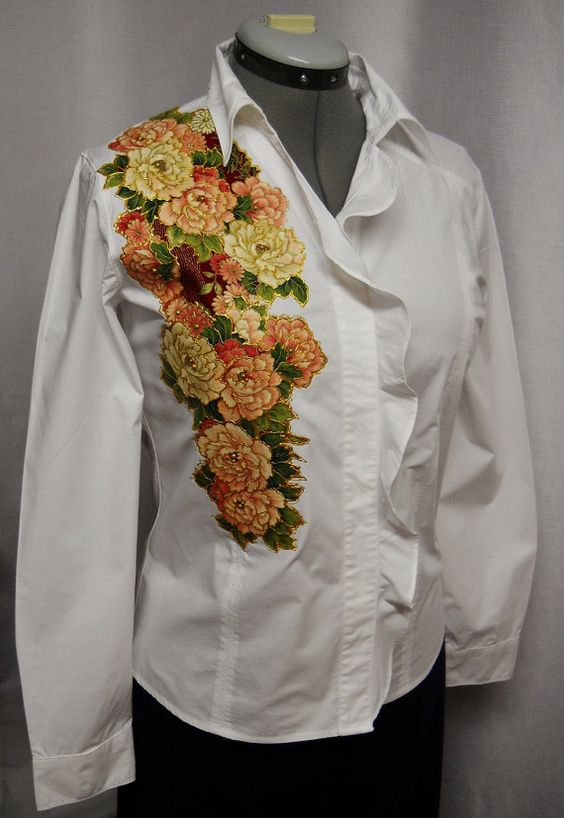 25 OFF Women's White Cotton Blouse Custom Floral by paulagsell, $29.00