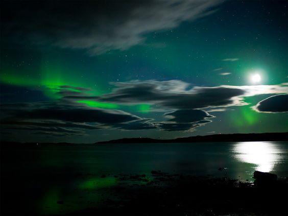 aurora borealis and moon reflection