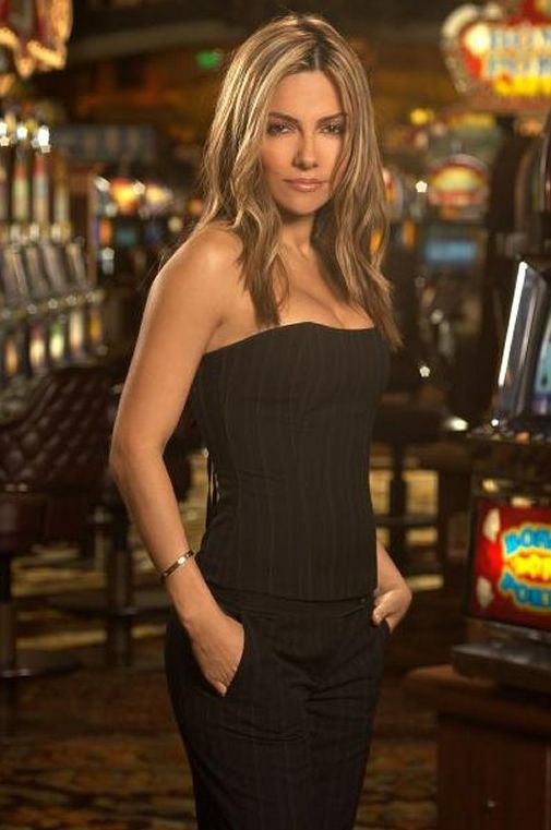 When attractive actor Vanessa Marcil who starred in Beverly Hills 90120 and Las Vegas, rejoins the cast of General Hospital next month as Brenda Barrett, after getting married.