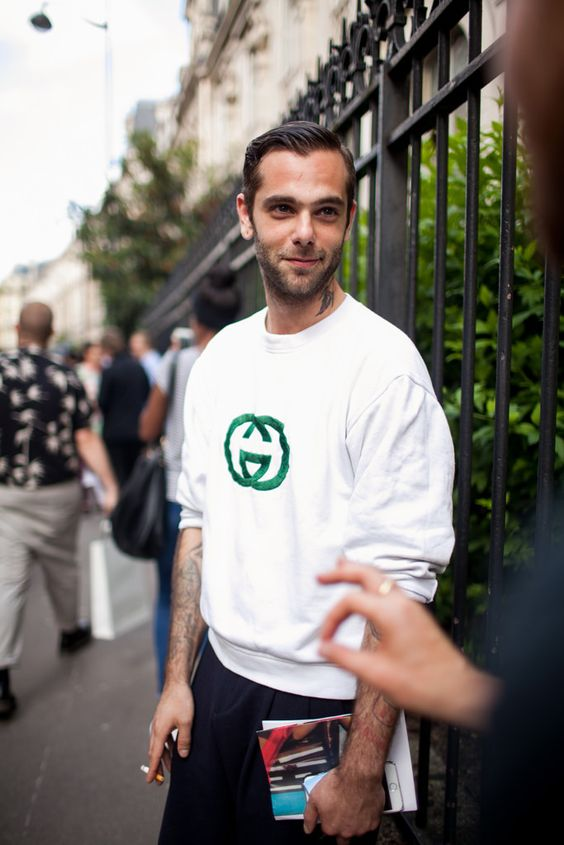 awesome Street Style.  Paris.  Photo by Kuba Dabrowski. Check more at http://10ztalk.com/2016/11/16/street-style-paris-photo-by-kuba-dabrowski-3/