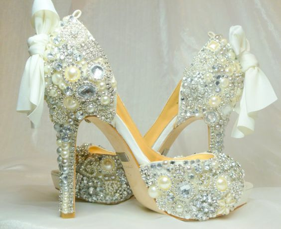 loveeeee: Fabulous Shoes, Wedding Shoes, Wedding Ideas, Cinderella Shoes, Toes Crystal, Beautiful Shoes, Peep Toes, Shoes Shoes