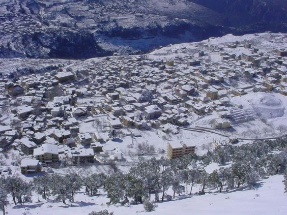 Ehden is a mountainous town situated in the heart of the northern mountains of Lebanon.