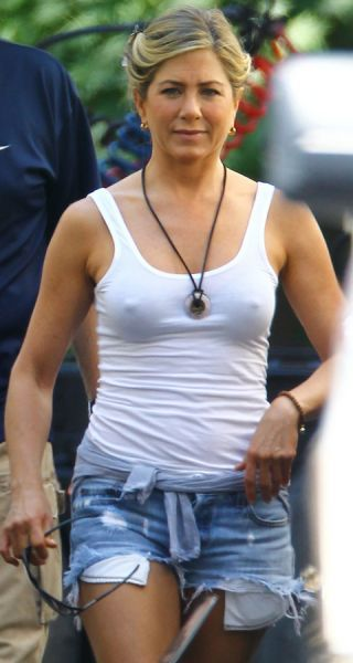 Jennifer Aniston is looking cold on