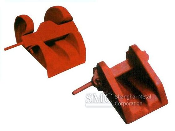 SMC provides small-sized cast steel bar type chain cable stoppers. See in http://goo.gl/lZtrw4
