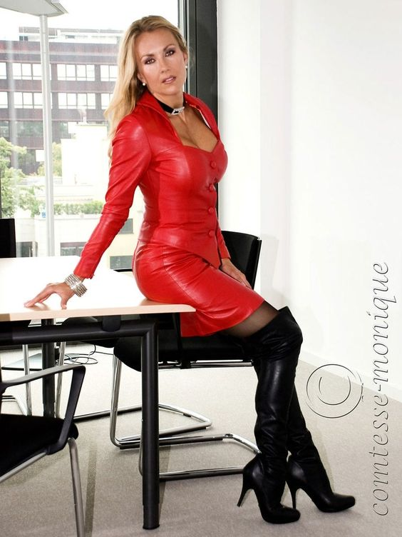 Comtesse Monique at the office in thigh high boots
