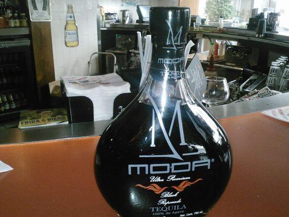 Moda Tequila Negro en USA