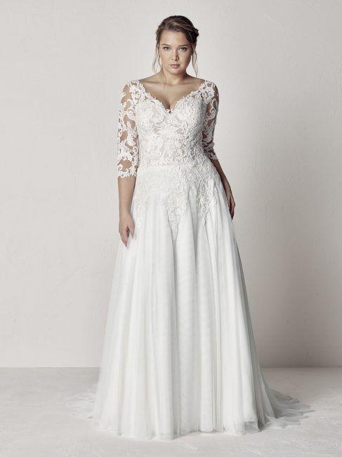 Vestiti Da Sposa Taglie Forti.Abiti Da Sposa Taglie Forti 2019 Collezione Pronovias Plus