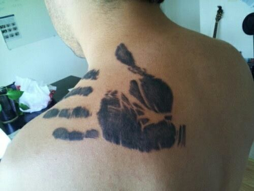 Heartwarming:  Son has deceased father's hand print tattooed on his shoulder,