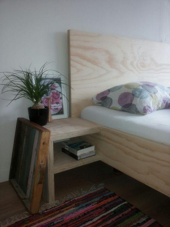 Bedombouw van underlayment plywood eigen ontwerp zonder zichtbare schroeven zeer low budget - Ontwerp hoofdbord ...