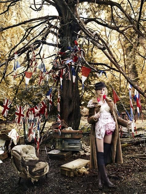 Lucinda Chambers [Vogue UK: Sasha Pivovarova]