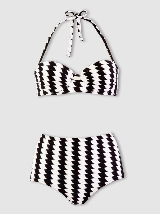 Un maillot de bain black and white