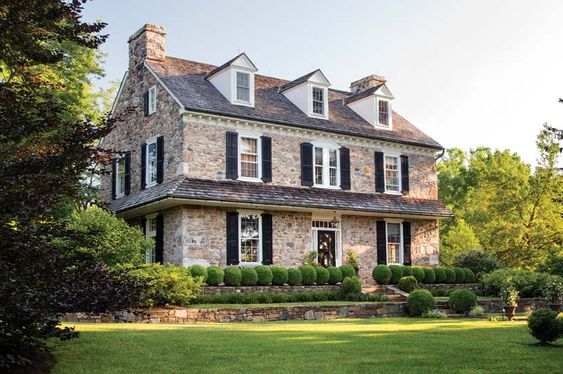 Architect peter zimmerman 39 s stone farmhouse craftsman for Pennsylvania stone farmhouses