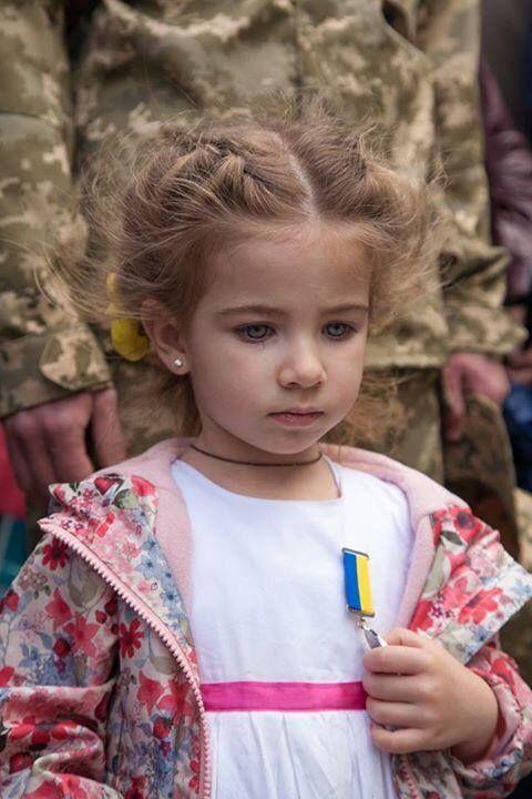 """Украинских воинов на линии разграничения поздравляют местные жители и волонтеры, - пресс-офицер сектора """"Луганск"""" - Цензор.НЕТ 1447"""