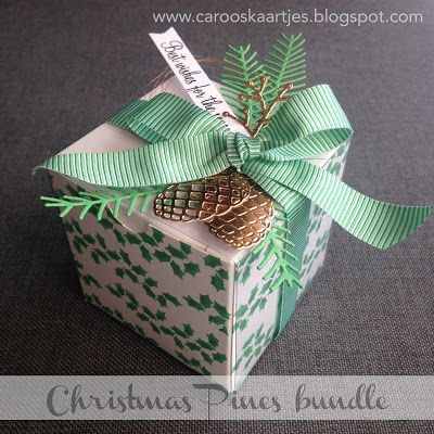 """Caro's Kaartjes - Stampin' Up! White Gift Boxes with acetate sleeves, Christmas Pines, Pretty Pines Thinlits, Holly Berry Happiness, Blossom Builder Punch, Festive TIEF, Cucumber Crush 5/8 """"(1.6 cm) Mini Striped Ribbon Caroline van der Straaten  https://carooskaartjes.blogspot.nl/2016/09/stampin-up-kerstcadeautje.html"""