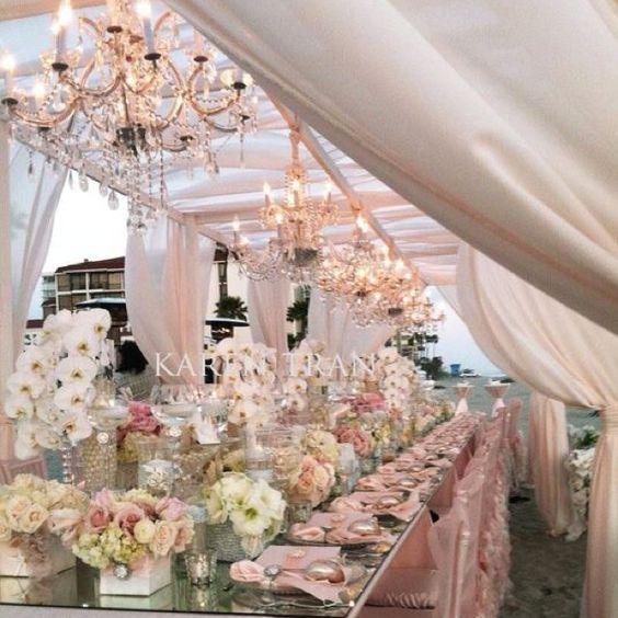 Karen Tran has the most beautiful floral decor...