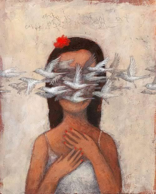 mujer-con-pájaros-pasándole-por-los-ojos