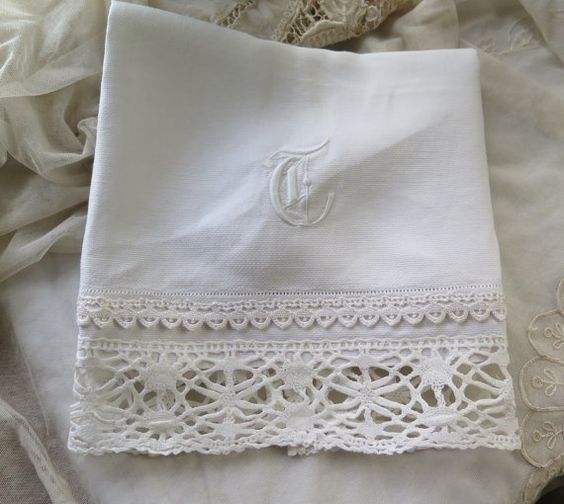 Huck Linen Hand Towel Upcycled with Vintage by marypearlsvintage