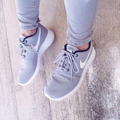 Image via We Heart It https://weheartit.com/entry/154642349/via/3668830 #amazing #beautiful #brands #fashion #grey #lifestyle #love #nike #rich #shoes #spring #summer #winter #instagram #rosherun #rosherun