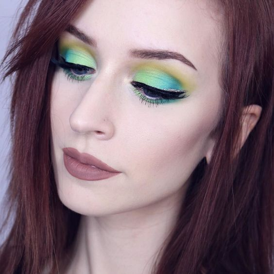 EYES: @ofracosmetics Bright Addictions palette Use code 'Kaylahagey' for 30% off!  https://www.ofracosmetics.com/collections/palettes/products/ofra-professional-makeup-palette-bright-addiction