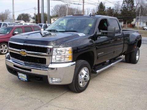 2010 Chevy Silverado 3500HD. God, I love trucks.
