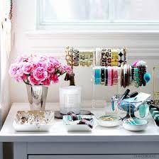 Imagini pentru jewelry display boutique