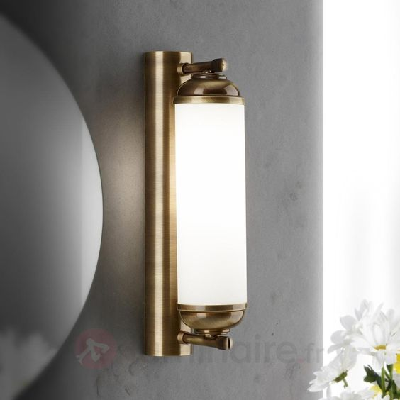 http://www.luminaire.fr/Somptueuse-applique-a-1-lampe-Elida.html
