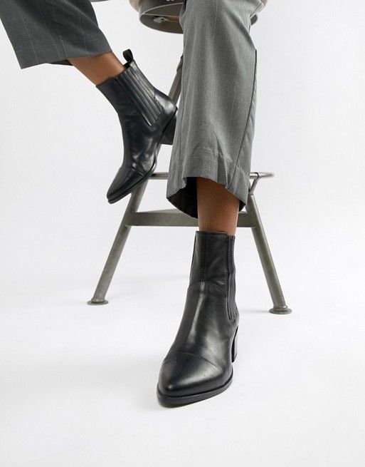 Vagabond Marja black leather western pointed ankle boots