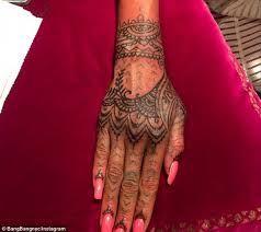 tattoo rihanna mão - Pesquisa Google