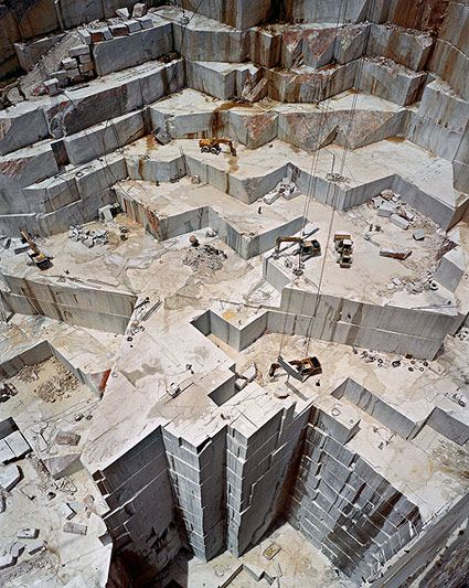 [][][] Edward Burtynsky / Carrara Marble Quarries, Italy
