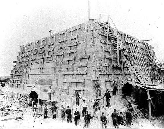 Construcción de la base de la estatua de la Libertad.  New York en 1884.