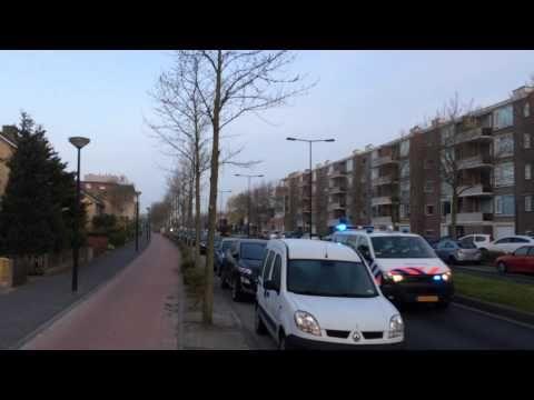 Politie auto's met spoed in Bergen op Zoom