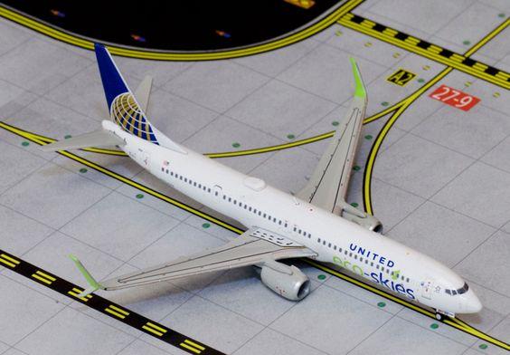 1/400 GeminiJets United Airlines Eco Skies Boeing 737-900s Diecast Model