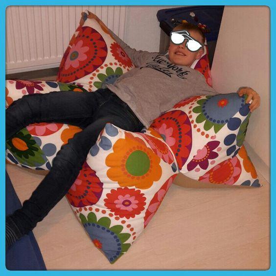 Sternbodenkissen genäht von  www.facebook.com / naehhaeusle
