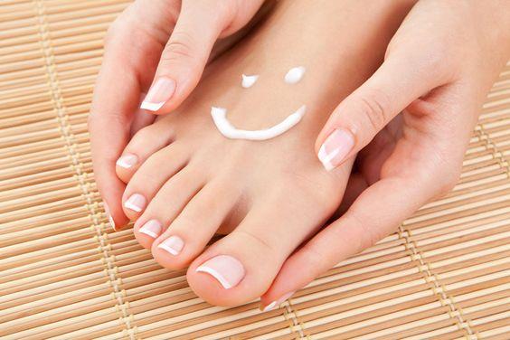 Como acabar com o ressecamento dos seus pés - http://eleganteonline.com.br/como-acabar-com-o-ressecamento-dos-seus-pes/