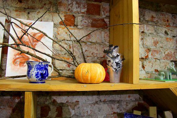Атмосфера студии располагает к творчеству даже тех, кто считал себя далеким от этой сферы. Фото Жени Шведы