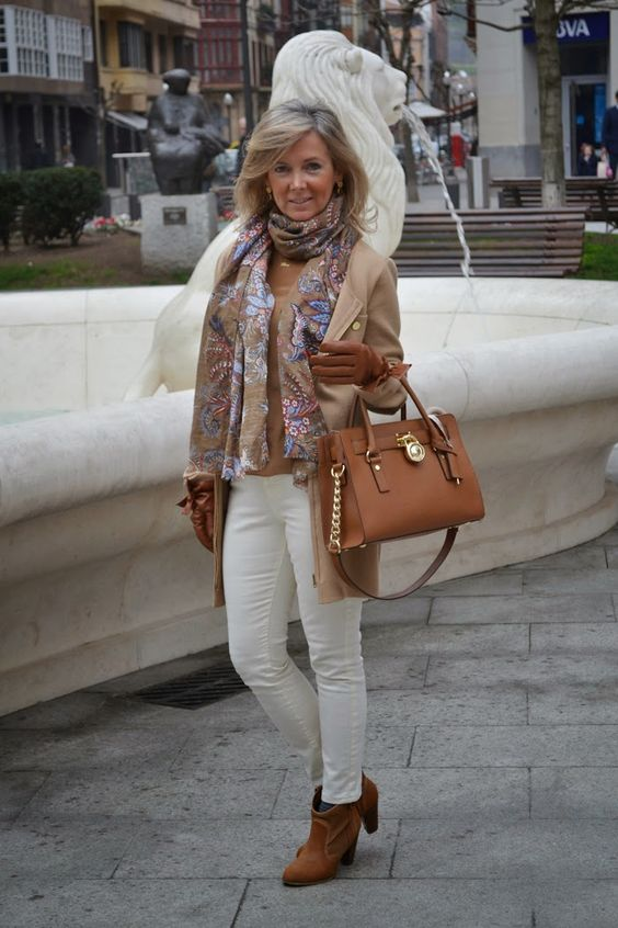 mis looks, con buena facha, blog,moda , bilbao, como combinar un pantalón blanco, como combinar colores, blanco y camel