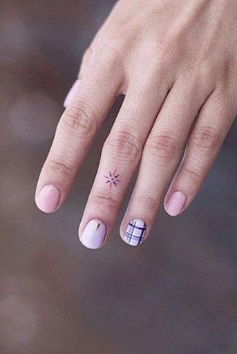 Estes 45 Dedo Tatuagens Estao Cada Mulher De Verao Metas Em 2020
