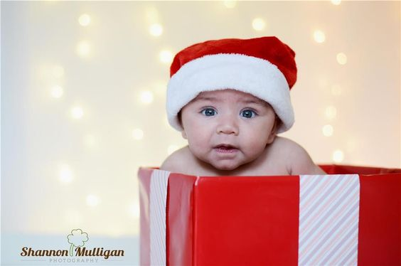 Holiday Child Photography - Bokeh - In-Home Studio - Shannon Mulligan Photography #shanmullphoto