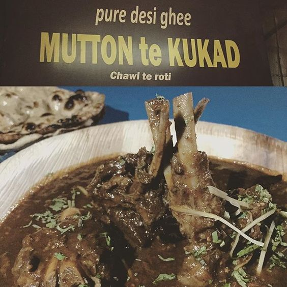 This might surprise a few folks. Saying Mutton te kukad has successfully recreated the pahadi (hilly) taste in Delhi will be an understatement.  I would call this the first Old-Style restaurant in Delhi. Considering the ratings on Zomato (4.0) and constantly increasing  this place could achieve a cult status like Kareem's.  The Mutton is with Keema curry and the rotis are all wheat (no maida) with Pure Desi Ghee.  Don't miss this one!  #delhigram #Delhi #delhifoodie #delhidiaries…