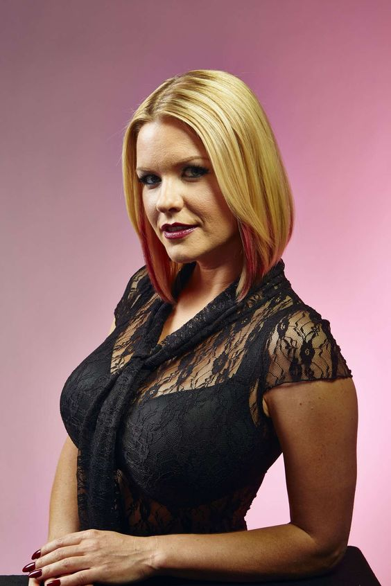 Carrie Keagan would be a good fit as Denise's batch sister, Maria Bellinger.