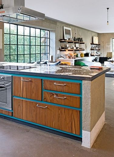 like the combo of painted cabinets with natural wood doors drawers
