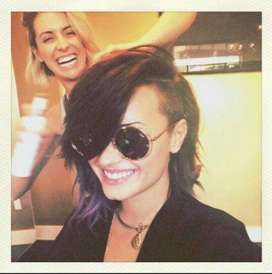 I Love The Half Shaved Bob This May Be My New Haircut Demi Lovato Short Hair Half Shaved Hair Short Messy Haircuts