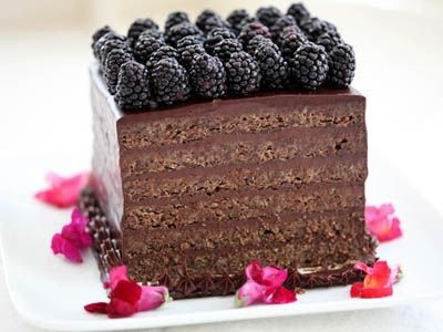 Flourless Chocolate Torte for Passover~This looks easy & a great presentation