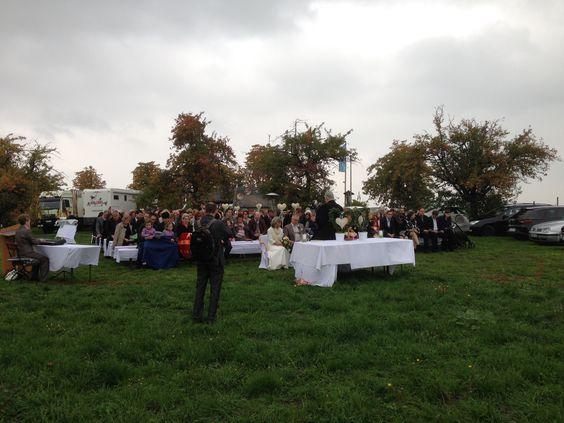 Das Flair Hotel Roger ist Ihre Location in Heilbronn wenn es um Ihre romantische und harmonische Hochzeit geht. Wir verfügen über ein schönes und herzliches Ambiente wo sie sich mit Ihrer Hochzeit geborgen fühlen. Bereits vom ersten Gespräch an erfahren Sie eine freundliche und kompetente Beratung, für Ihre Hochzeit in Heilbronn, egal ob es eine freie Trauung im grünen oder die klassische Kirchliche Trauung sein soll. http://landgasthof-roger.de/feiern/hochzeit/