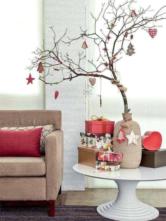 Era uma vez um pequeno galho que se transformou em um lindo enfeite de Natal...: