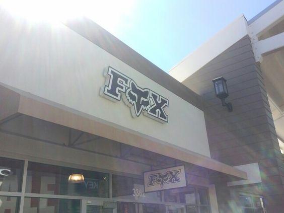 Fox store! Cali