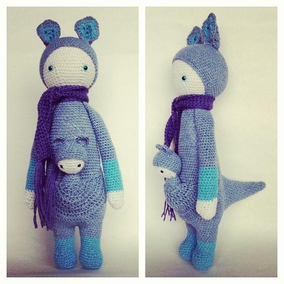 KIRA the kangaroo made by amigurama / crochet pattern by lalylala